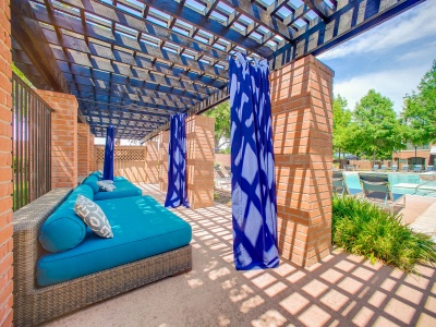 Bluffs at Vista Ridge sundeck and cabanas